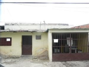 Casa En Venta En Maracay - Santa Rosa Código FLEX: 18-9032 No.1