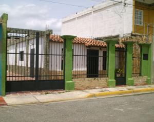 Casa En Venta En Turmero En Parque Residencial Araguaney II - Código: 18-9080