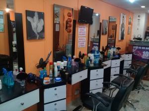 Negocio o Empresa En Venta En Maracay En Avenida Bolivar - Código: 18-9263