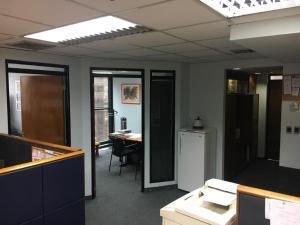 Oficina En Venta En Caracas En La Castellana - Código: 18-9272