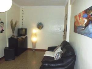 Apartamento En Venta En Caracas - Chacao Código FLEX: 18-9405 No.2