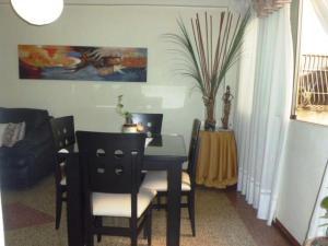 Apartamento En Venta En Caracas - Chacao Código FLEX: 18-9405 No.3