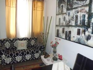 Apartamento En Venta En Caracas - Chacao Código FLEX: 18-9415 No.3