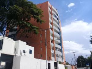 Apartamento En Venta En Maracay En Los Caobos - Código: 18-9464