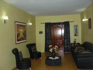 Casa En Venta En Maracay - La Coromoto Código FLEX: 18-9651 No.16