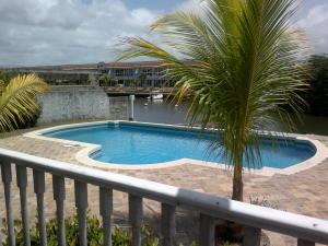 En Venta En Higuerote - Puerto Encantado Código FLEX: 18-9747 No.1