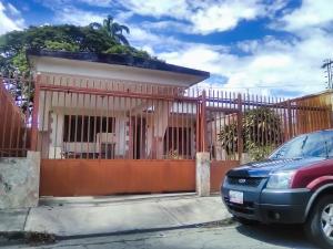 Casa En Venta En Maracay - San Miguel Código FLEX: 18-9837 No.0