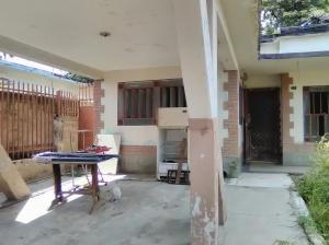 Casa En Venta En Maracay - San Miguel Código FLEX: 18-9837 No.1