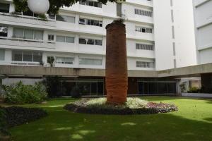 En Venta En Caracas - Las Mercedes Código FLEX: 18-10134 No.2