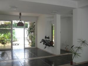 Casa En Venta En Maracay - El Castano (Zona Privada) Código FLEX: 18-10348 No.2