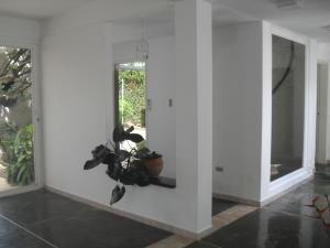 Casa En Venta En Maracay - El Castano (Zona Privada) Código FLEX: 18-10348 No.3