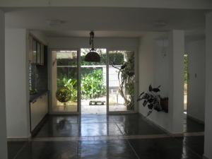 Casa En Venta En Maracay - El Castano (Zona Privada) Código FLEX: 18-10348 No.4