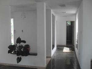 Casa En Venta En Maracay - El Castano (Zona Privada) Código FLEX: 18-10348 No.8
