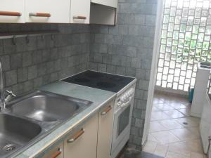 Casa En Venta En Maracay - El Castano (Zona Privada) Código FLEX: 18-10348 No.10