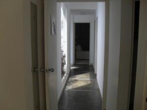Casa En Venta En Maracay - El Castano (Zona Privada) Código FLEX: 18-10348 No.13