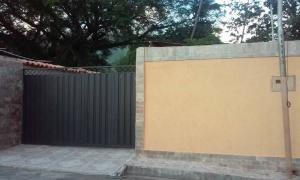 Casa En Venta En Maracay - El Limon Código FLEX: 18-4156 No.0
