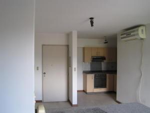 Apartamento En Venta En Caracas - La Urbina Código FLEX: 18-10587 No.2