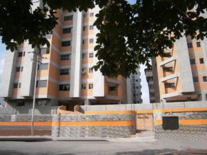 Apartamento En Venta En Maracay - San Jacinto Código FLEX: 18-10678 No.1