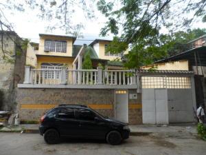 Casa En Venta En Maracay En El Limon - Código: 18-10684