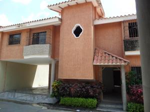 Townhouse En Venta En Maracay - Cantarana Código FLEX: 18-10692 No.3