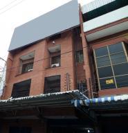 En Venta En Maracay - Santa Rosa Código FLEX: 18-10699 No.0