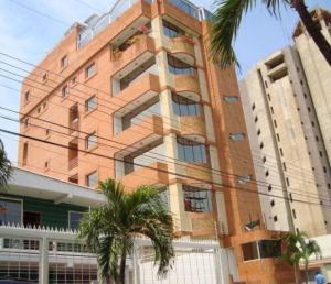 Apartamento En Venta En Maracay - La Soledad Código FLEX: 18-10704 No.0