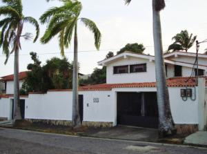 Casa En Venta En Maracay En El Limon - Código: 18-10893