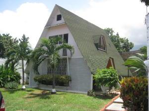 Casa En Venta En Maracay En El Limon - Código: 18-10925