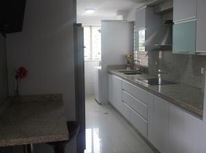 Apartamento En Venta En Caracas - Los Naranjos del Cafetal Código FLEX: 18-11067 No.6
