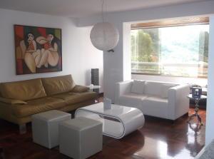 Apartamento En Venta En Caracas - Los Naranjos del Cafetal Código FLEX: 18-11067 No.1