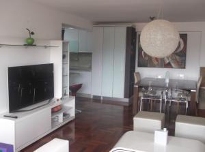Apartamento En Venta En Caracas - Los Naranjos del Cafetal Código FLEX: 18-11067 No.4