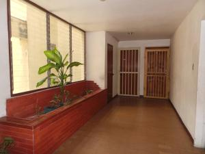 Apartamento En Venta En Maracay - La Coromoto Código FLEX: 18-11374 No.6
