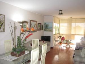 Apartamento En Venta En Caracas - El Marques Código FLEX: 18-11390 No.2