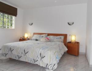 Casa En Venta En Maracay En El Castano (Zona Privada) - Código: 18-11443