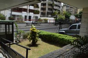 En Venta En Caracas - Los Palos Grandes Código FLEX: 18-7361 No.4