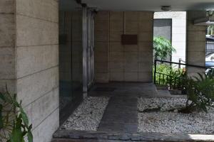 En Venta En Caracas - Los Palos Grandes Código FLEX: 18-7361 No.2