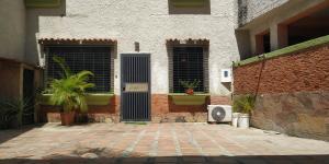 Casa En Venta En Valencia - Sabana Larga Código FLEX: 18-11890 No.2