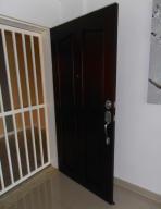 Apartamento En Venta En Maracay - La Soledad Código FLEX: 18-12056 No.2