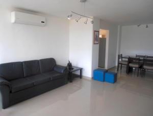 Apartamento En Venta En Maracay - La Soledad Código FLEX: 18-12056 No.3