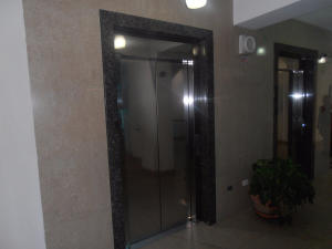 Apartamento En Venta En Maracay - La Soledad Código FLEX: 18-12063 No.2
