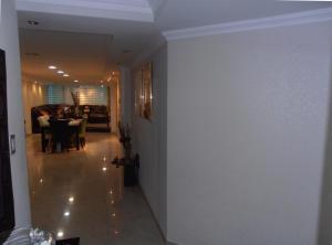 Apartamento En Venta En Maracay - La Soledad Código FLEX: 18-12063 No.9