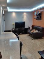 Apartamento En Venta En Caracas - Colinas de La Tahona Código FLEX: 18-12103 No.10