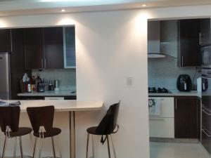 Apartamento En Venta En Caracas - Colinas de La Tahona Código FLEX: 18-12103 No.13