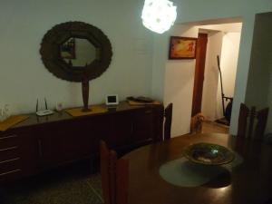 Apartamento En Venta En Caracas - Parroquia La Candelaria Código FLEX: 18-12372 No.3
