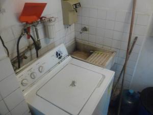 Apartamento En Venta En Caracas - Parroquia La Candelaria Código FLEX: 18-12372 No.9