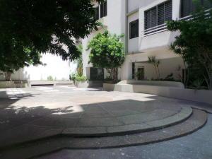 Apartamento En Venta En Maracay - El Bosque Código FLEX: 18-12520 No.2