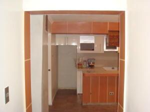 Apartamento En Venta En Maracay - Zona Centro Código FLEX: 18-12622 No.8