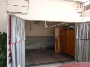 Casa En Venta En Maracay - Santa Rita Código FLEX: 18-12635 No.2