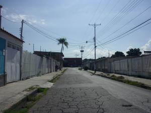 Casa En Venta En Maracay - Santa Rita Código FLEX: 18-12635 No.12