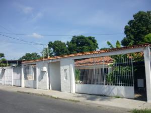Casa En Venta En Maracay - Santa Rita Código FLEX: 18-12635 No.13